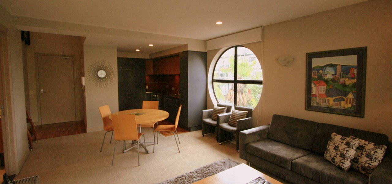 3 Bedroom 1 Bathroom Loft Viaduct Apartment Special