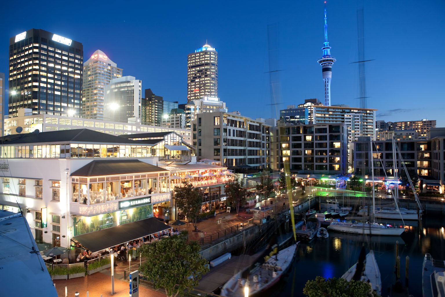 Viaduct harbour latitude 37 serviced apartments for Auckland cuisine