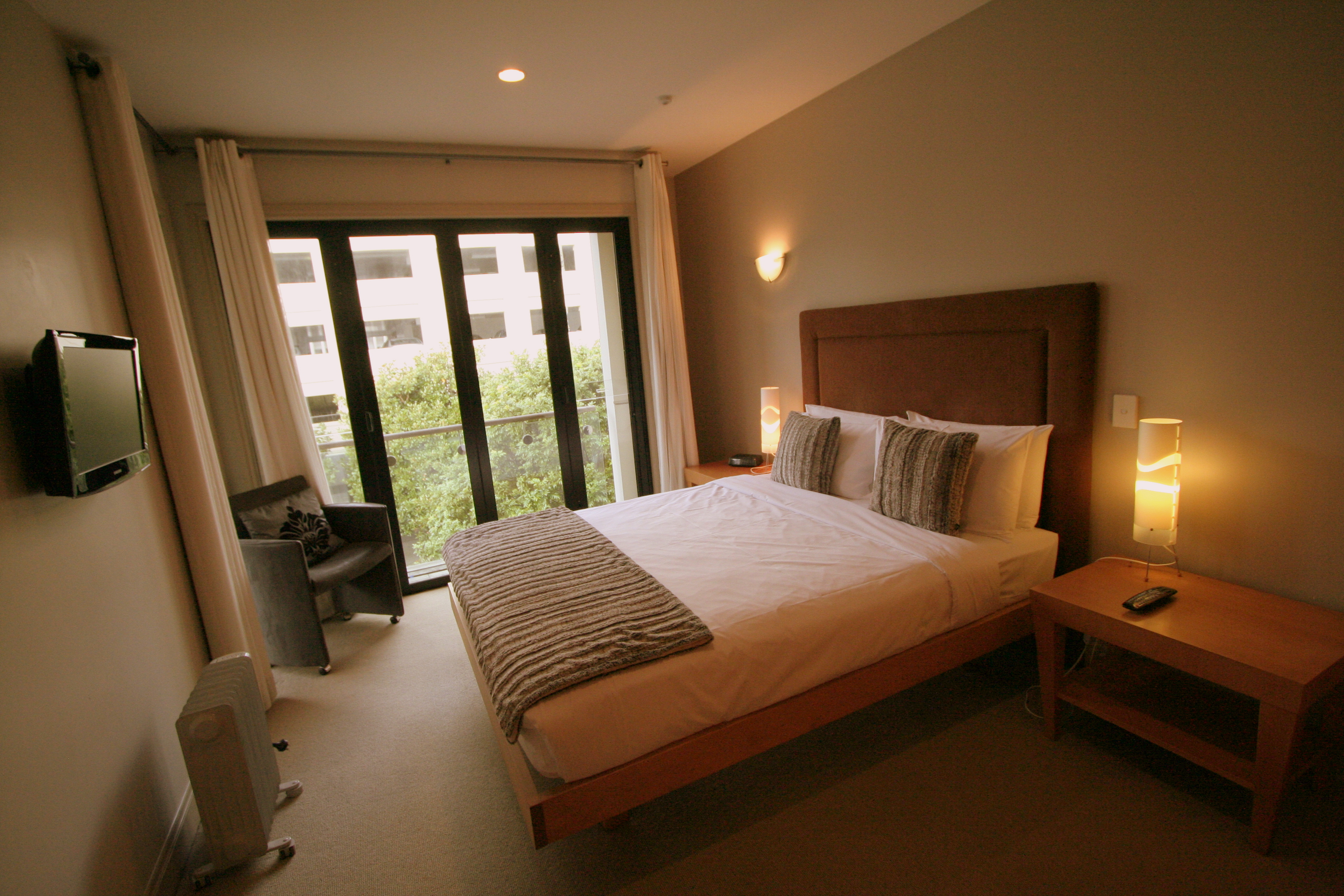 3 bedroom 1 bathroom loft viaduct apartment special latitude 37 serviced apartments Master bedroom with loft area