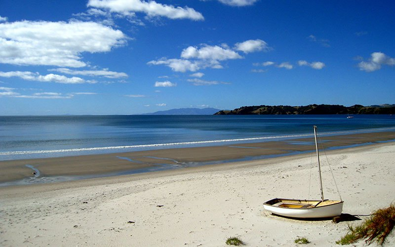 Auckland Guide - Waiheke Island - Beaches