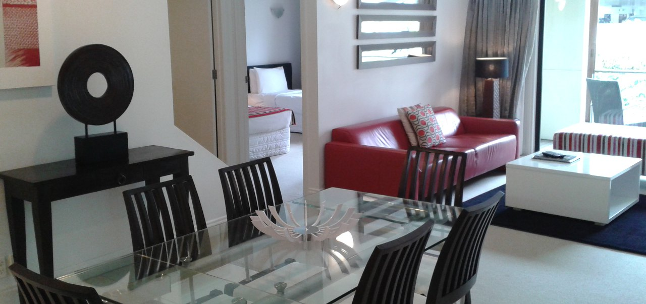 3 bedroom 2 bathroom split level apartment latitude 37 for Apartments with 3 bedrooms and 2 bathrooms