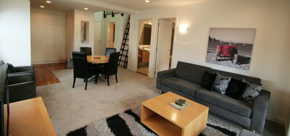 3 bedroom 2 bathroom loft apartment latitude 37 serviced for Apartments with 3 bedrooms and 2 bathrooms